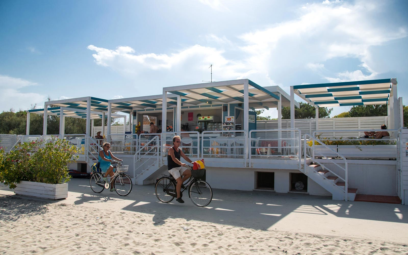 01-Beach-bar-Park-Gallanti