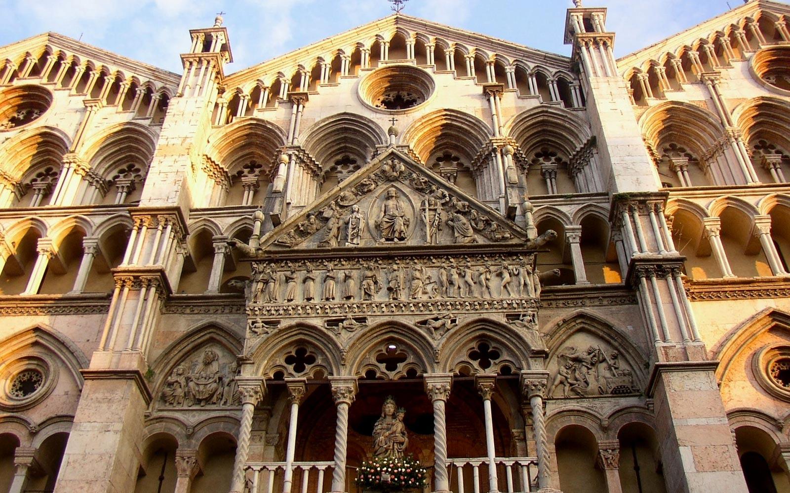 03_Ferrara_Cathedral_Church