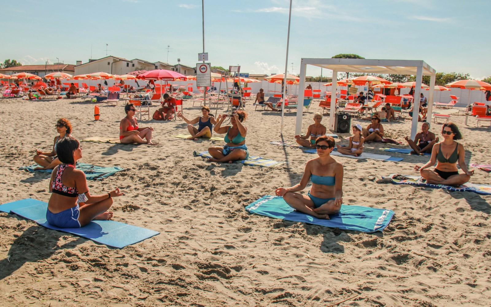 04 Sport-Yoga-spiaggia-Gallanti