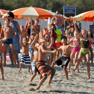06-Beach-games-in-Italy