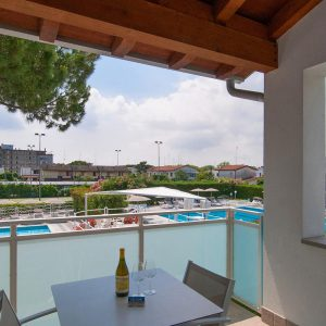 08-Studio-Mare---Double-room-poolview