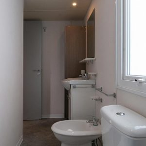 12-Bathroom-in-Chalet-Living