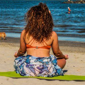 16 Spiaggia-attività-yoga-Comacchio