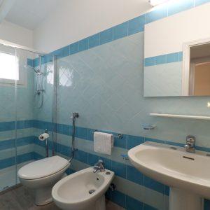 9-Bungalow-Sole_Park-Gallanti_bagno-Badezimmer